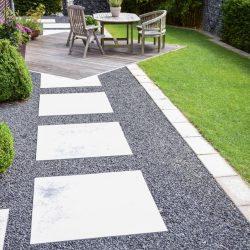 terrasse-weg-steine-sitzen